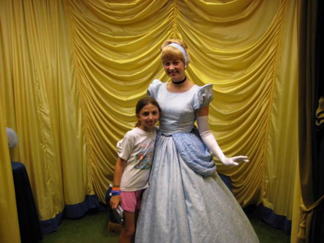 cinderella toontown hall of fame magic kingdom vacation