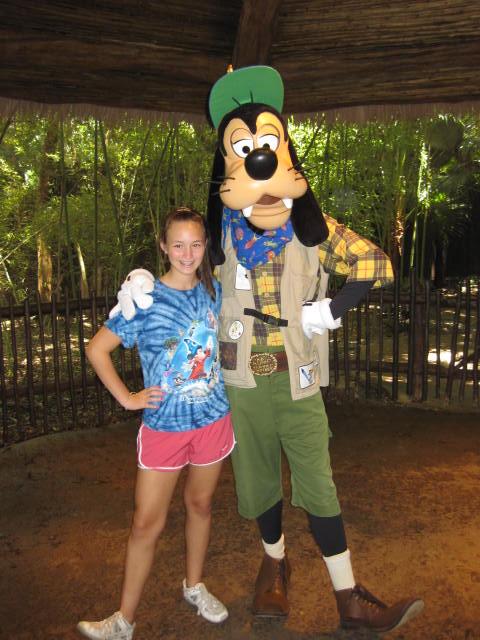 Goofy Camp Minnie and Mickey Animal Kingdom Vacation ...