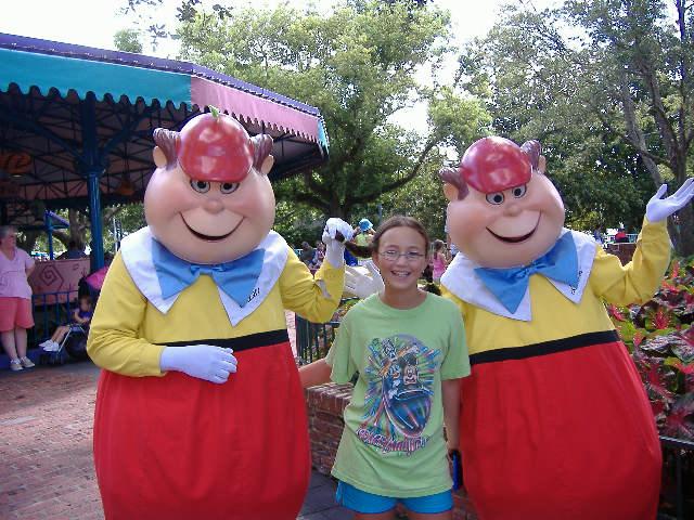 Tweedle Dee and Tweedle Dum Fantasyland Magic Kingdom ...