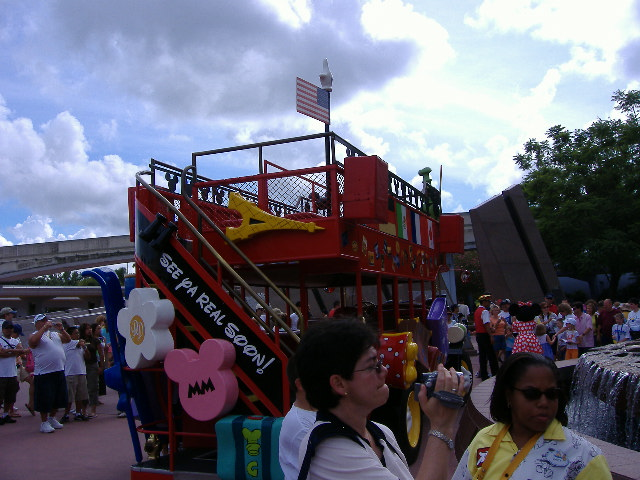 Characters on Holiday Bus Epcot Vacation Pictures Disney ...